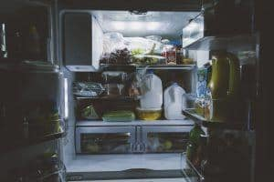 clean fridge freezer