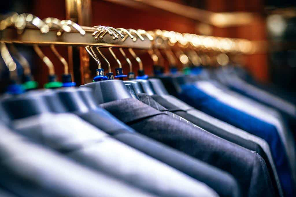 oganize closet clothes