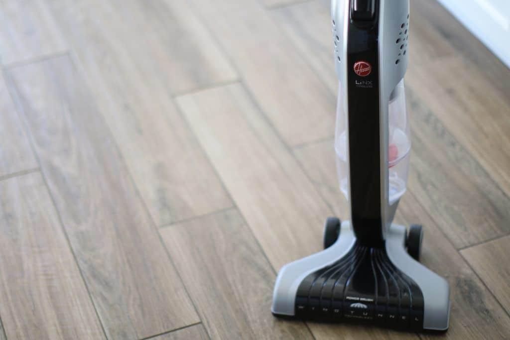 stick vacuum hardwood floors