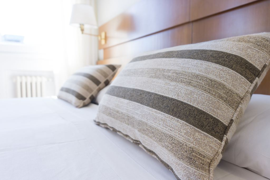 clean bed sheets and pillows how long should you keep a mattress