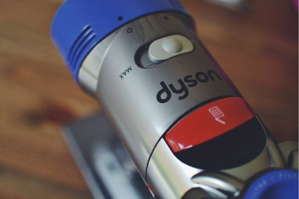 Dyson V8 Handheld vacuum close up