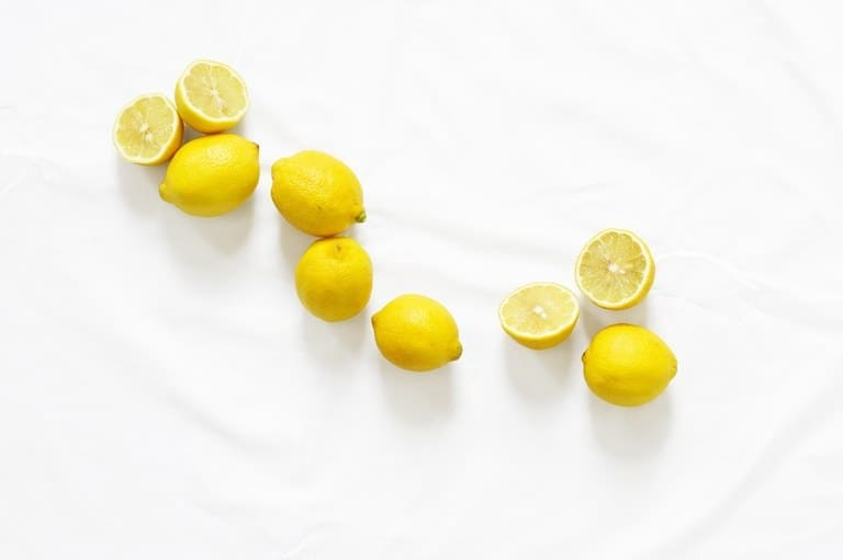 Diagonal row of lemons