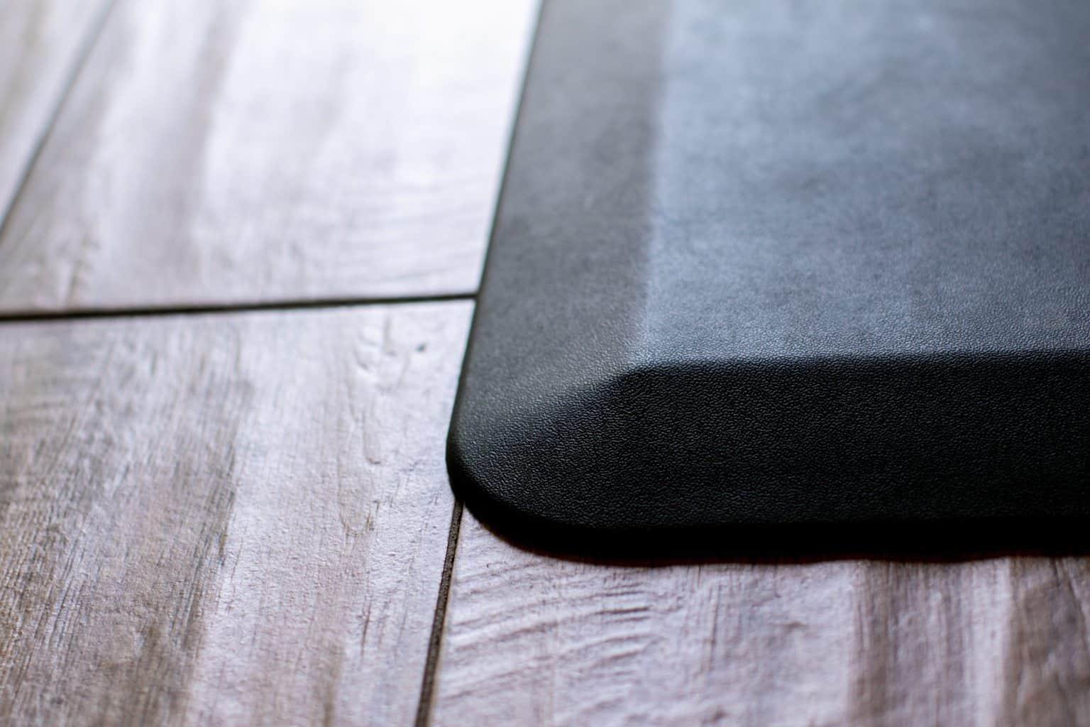 Edge close up of an anti fatigue mat