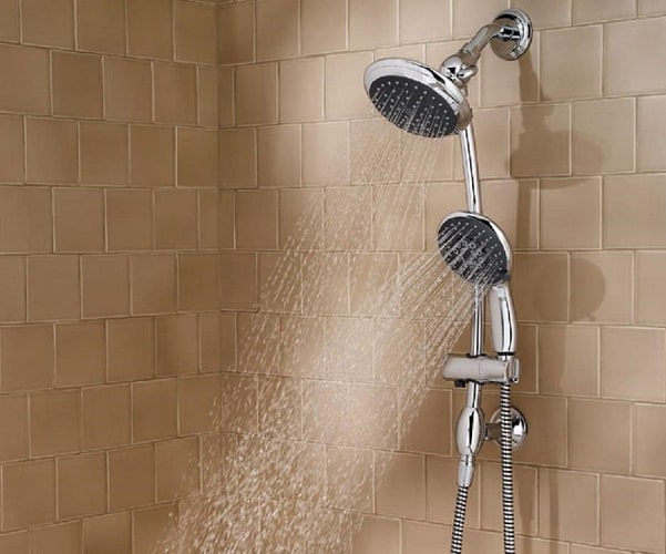 Multi-head shower head with running water