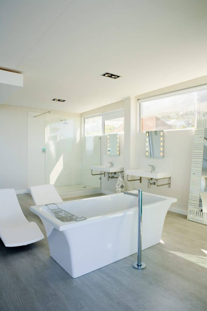 Modern bathroom with a tub