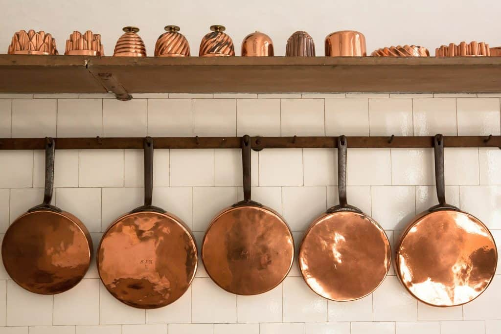 Various kinds of copper pots and furnishings