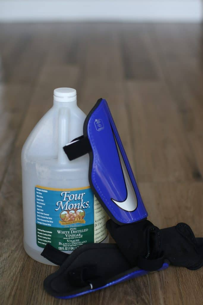 Vinegar with knee pads